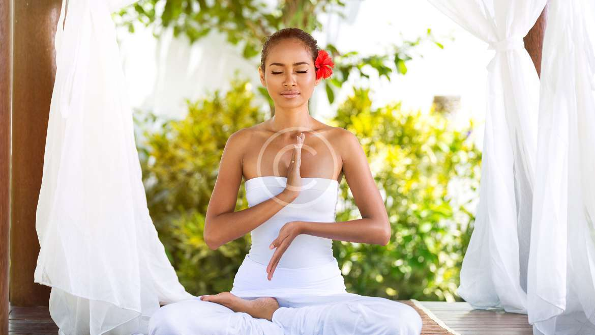 """4 Outdated Yoga """"Rules"""" we Need More now Than Ever"""